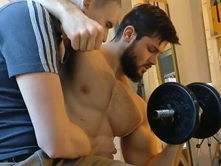 Worship Your Musclegod While He Works Out